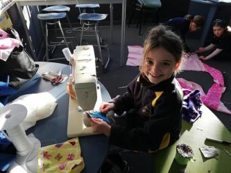 Imogen sewing in class2
