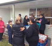 2015 Matariki Distributing meals